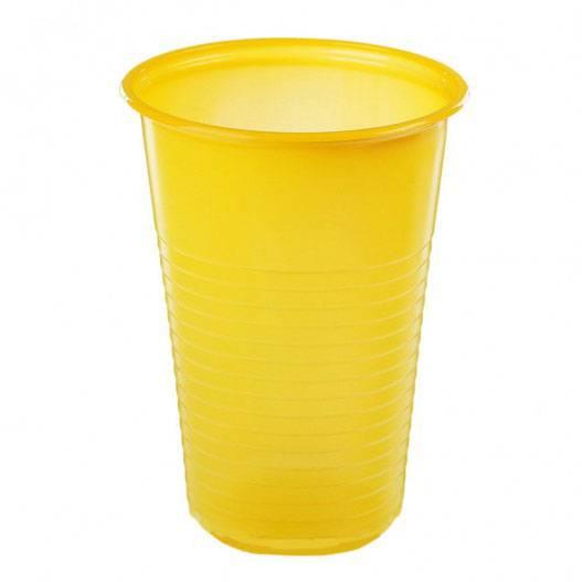 Стакан одноразовый желтый